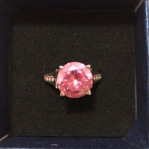 Jeulia Sterling Silver Pink Zirconia Ring.
